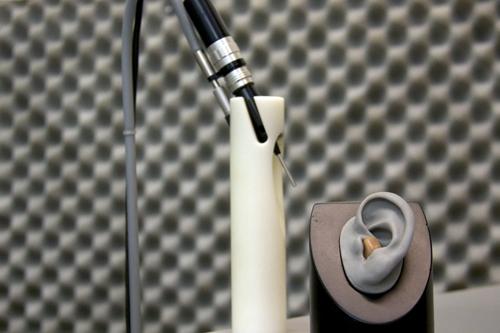 Hörgeräte-Akustik